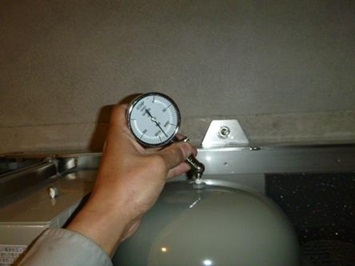 ブースターポンプ点検 圧力タンク 内圧点検