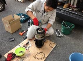 給水ポンプユニット修理 分解整備中