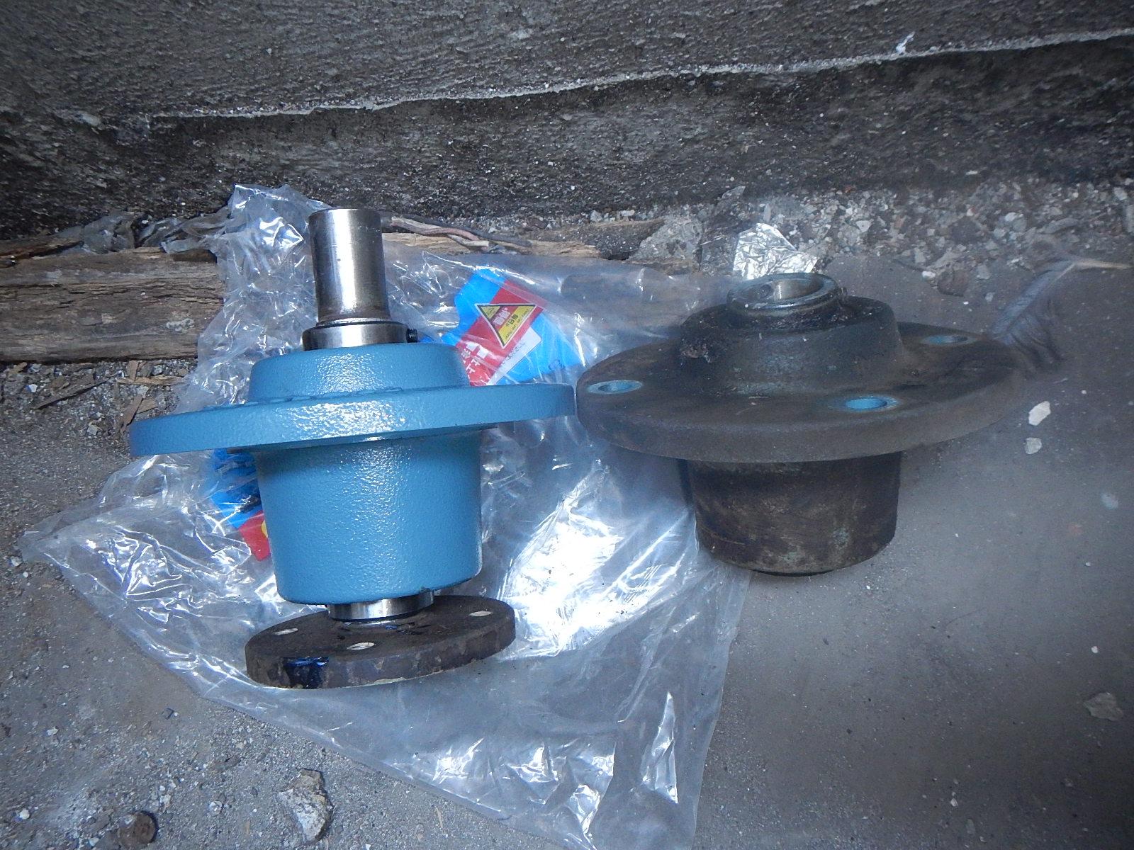 排気ファン整備 ベアリングユニット交換作業