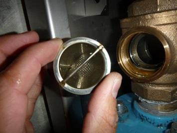 ブースターポンプ点検 一次側メインバルブストレーナー清掃